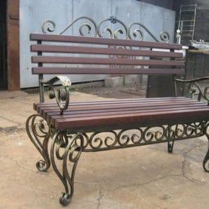 Кованая скамейка в темном цвете Арт. СК-013