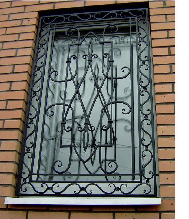 Кованые оконные решетки Художественная кованая решетка на окно Арт. Р-012 Norkovka
