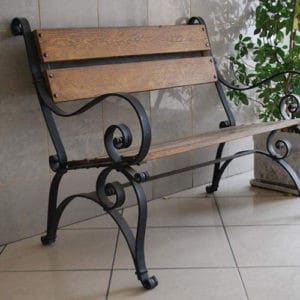 Небольшая кованая скамейка Арт. СК-010