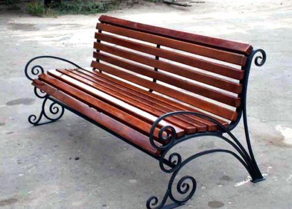 Изящная кованая скамейка Арт. СК-003