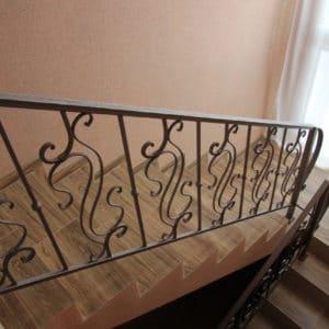 Кованые перила для лестниц Кованые перила для деревянной лестницы Арт.  П-002 Norkovka