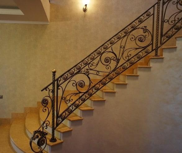 Кованая металлическая лестница Аврора Арт. Л-001