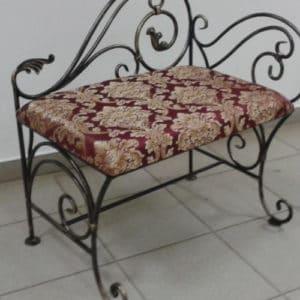Кованая мебель Маленькая кованая лавочка Арт. М-003 Norkovka