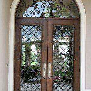 Кованая дверь со стеклом Арт. Д-014
