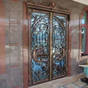 Шикарная кованая дверь Арт. Д-005