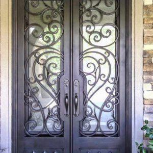 Кованая дверьми стеклом Арт. Д-009
