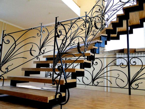 Изящная кованая лестница Валери Арт. Л-007