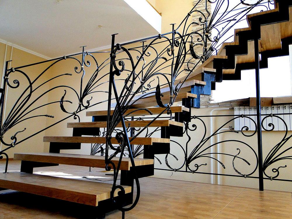 Кованые лестницы Изящная кованая лестница Валери Арт. Л-007 Norkovka