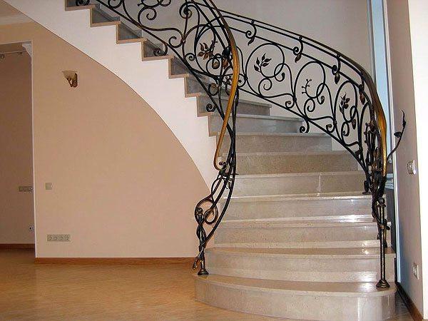 Изысканная кованая лестница Луиза Арт. Л-008