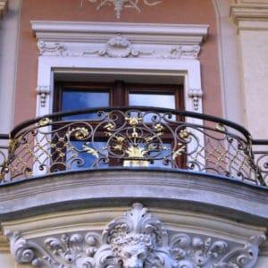 Кованые балконы Темные кованые ограждения для балкона Арт. Б-003 Norkovka