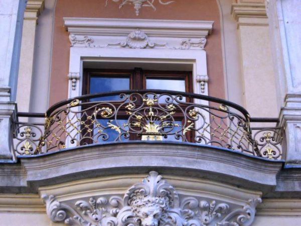 Кованый балкон для улицы Арт. Б-002