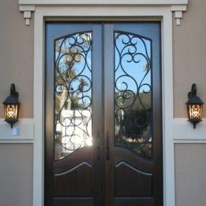 Кованые двери Кованая дверь темного цвета Арт. Д-007 Norkovka
