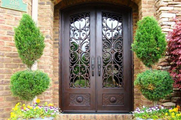 Кованая дверь шоколадного цвета Арт. Д-011