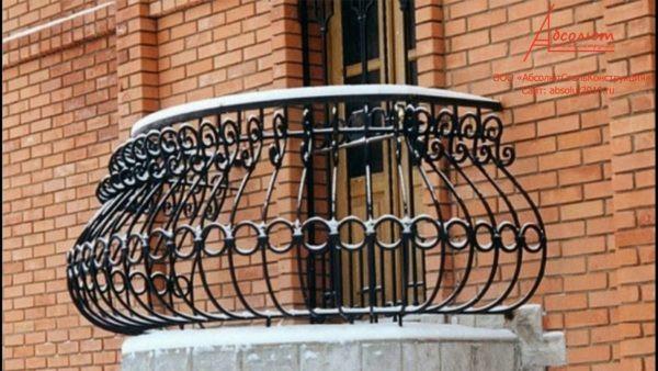 Кованый балкон с перилами Арт. Б-012