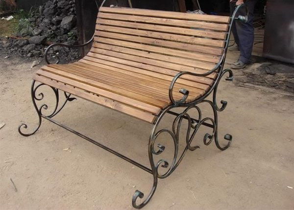 Классическая кованая скамейка Арт. СК-002