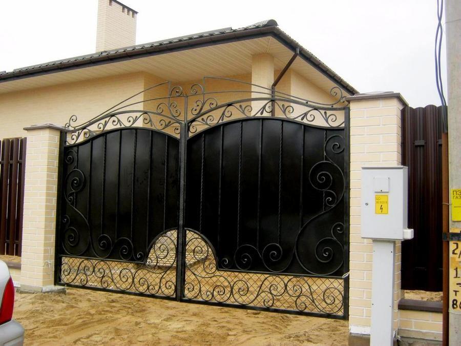 Кованые ворота Раскошные кованые ворота Роланд Арт. В-005 Norkovka